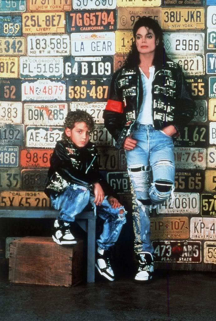 Classic Kicks Moments : Michael Jackson Rocks/Endorses L.A. Gears