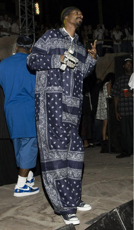 Snoop dogg wearing converse - photo#18