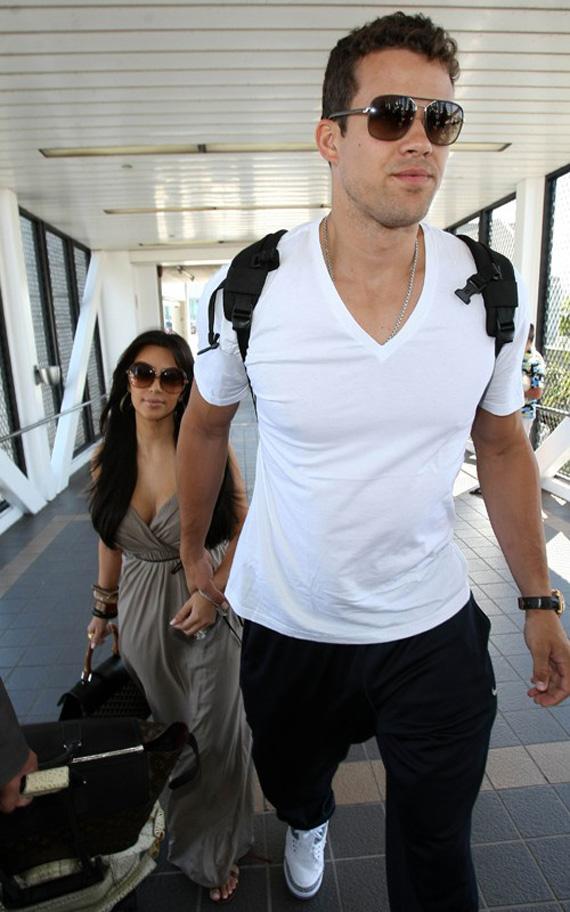 Kris Humphries Wife Kim Kardashian Spotted In The Air Jordan 3
