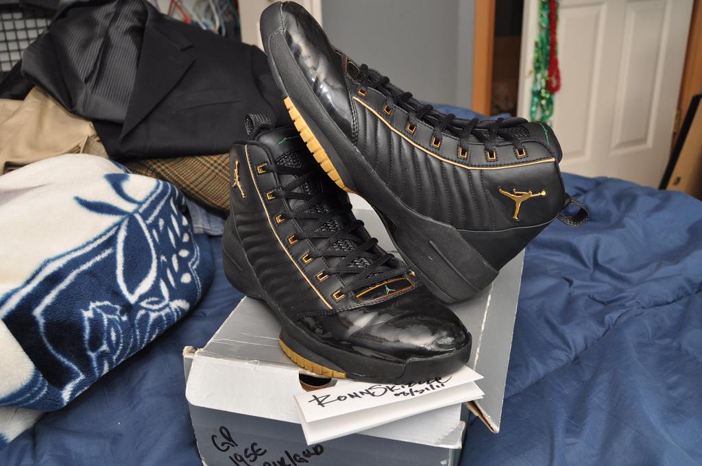 9e521e619092 Game Worn Nike Air Jordan XIX SE Gary Payton PE Via Ebay