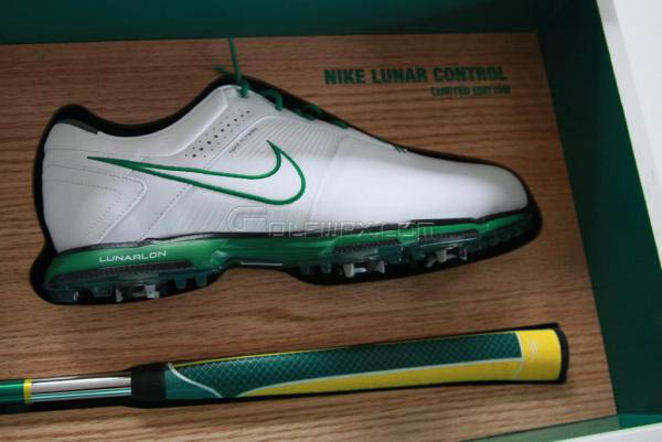 sale retailer d4f7a d0850 ... Golf Shoes Nike Limited Edition Masters Lunar Control Shoes Method  Concept Putter ...