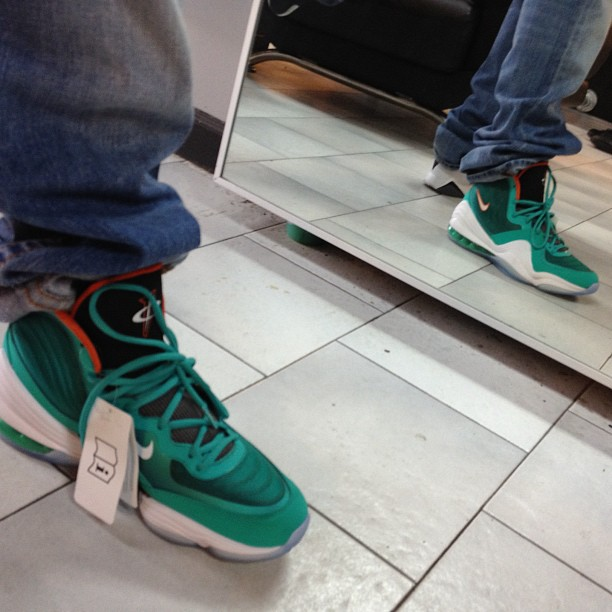 """reputable site df029 0760c New Image  Nike Air Penny 5 """"Dolphin""""   Kicks Addict l The Official ..."""