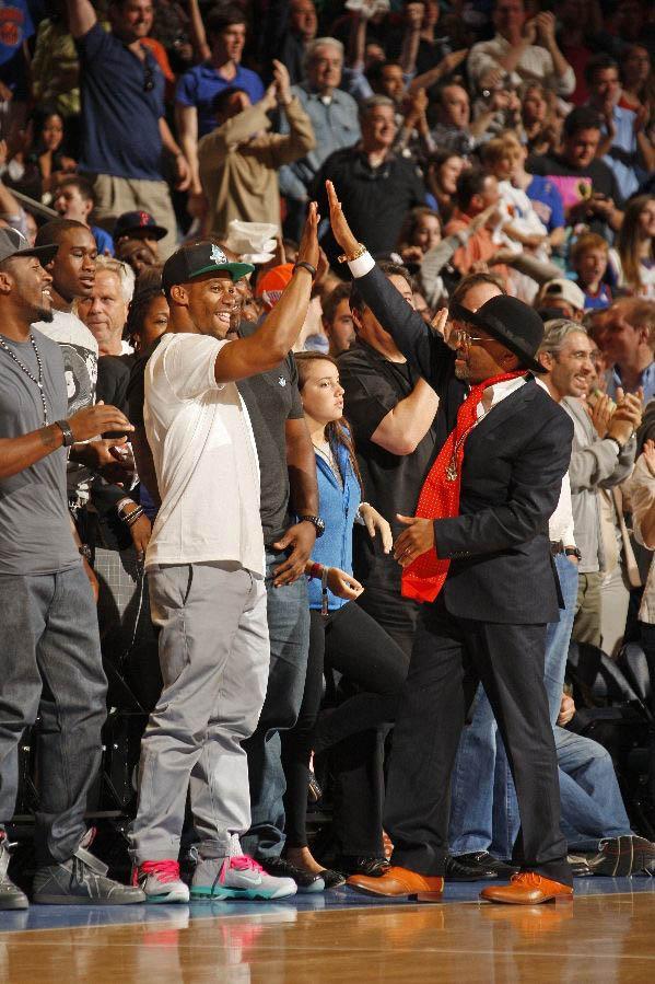 "e4a380aa6d4 Kicks Sightings  Victor Cruz Spotted Rockin The Nike LeBron 9 P.S. Elite ""South  Beach"""