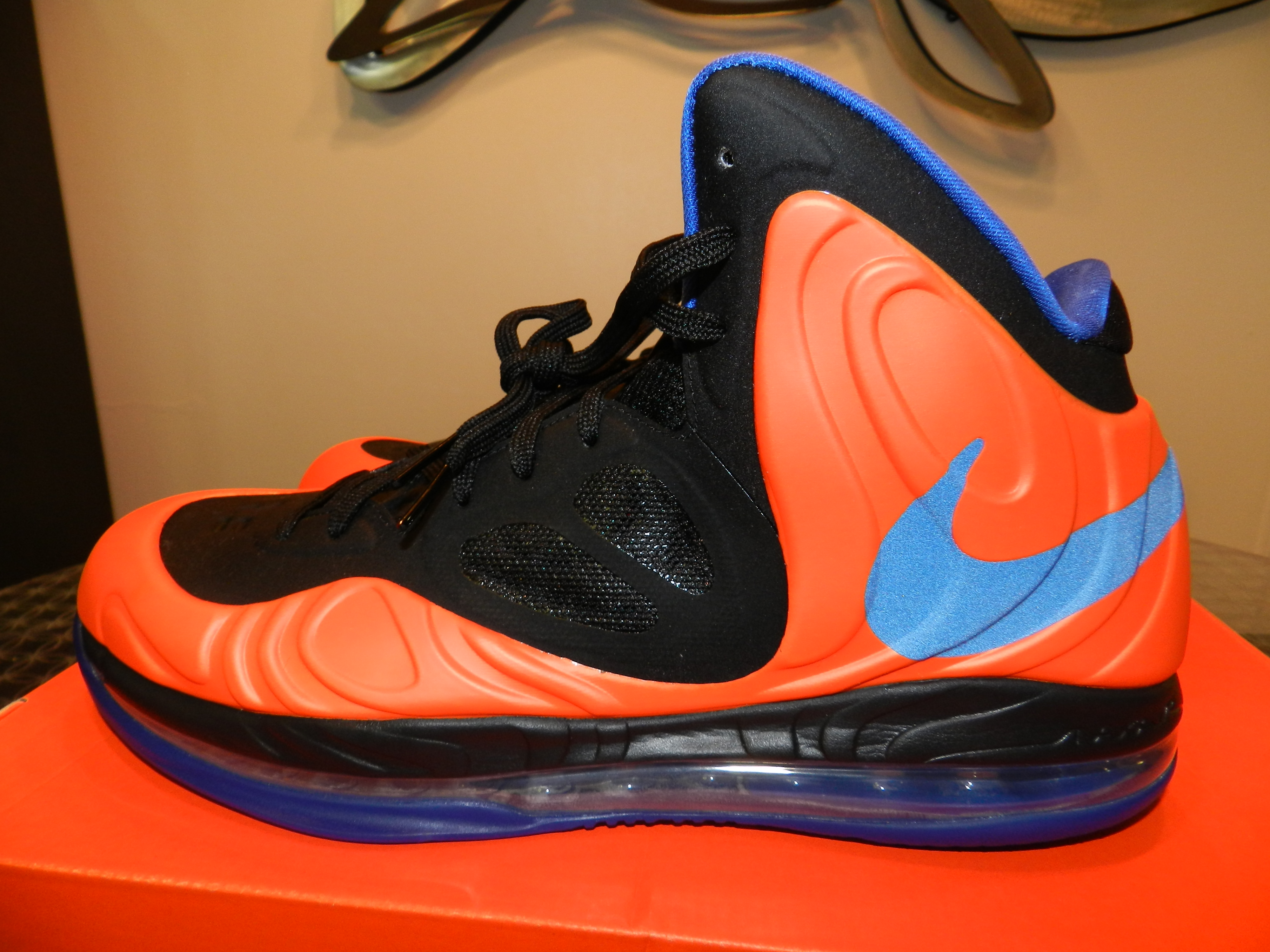 """c10f343ce15a Video  Nike Air Max Hyperposite Amare Stoudemire PE """"Knicks"""" Review ..."""