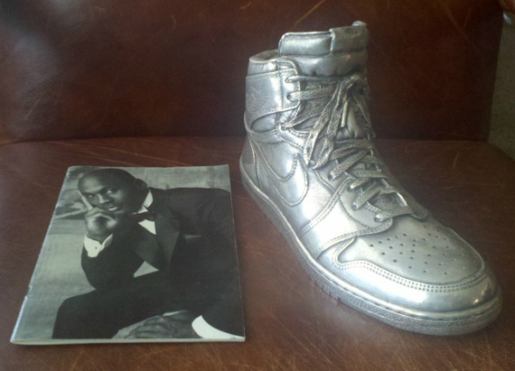 Air Jordan 1 Silver Sculpture Auction. Posted on November 10 7547f5a84