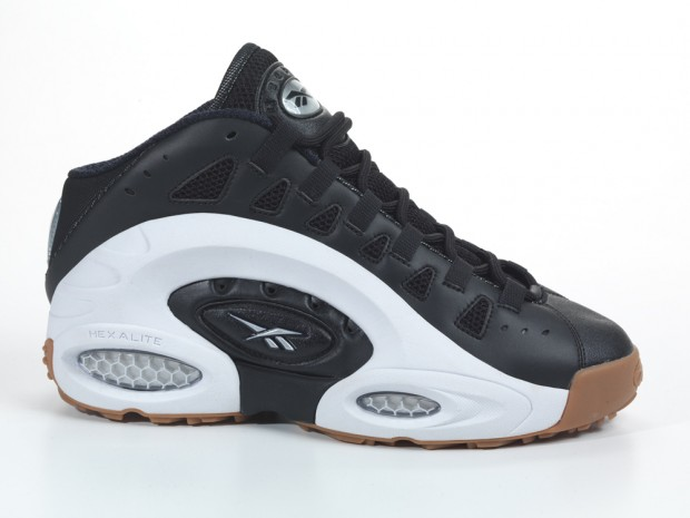NFL legend Emmitt Smith and Reebok have finally decided to re-release the  ES22 s – this will be a footlocker exclusive! e686d4f723