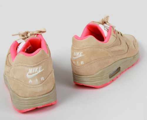 nike-air-max-1-hometurf-milan-4