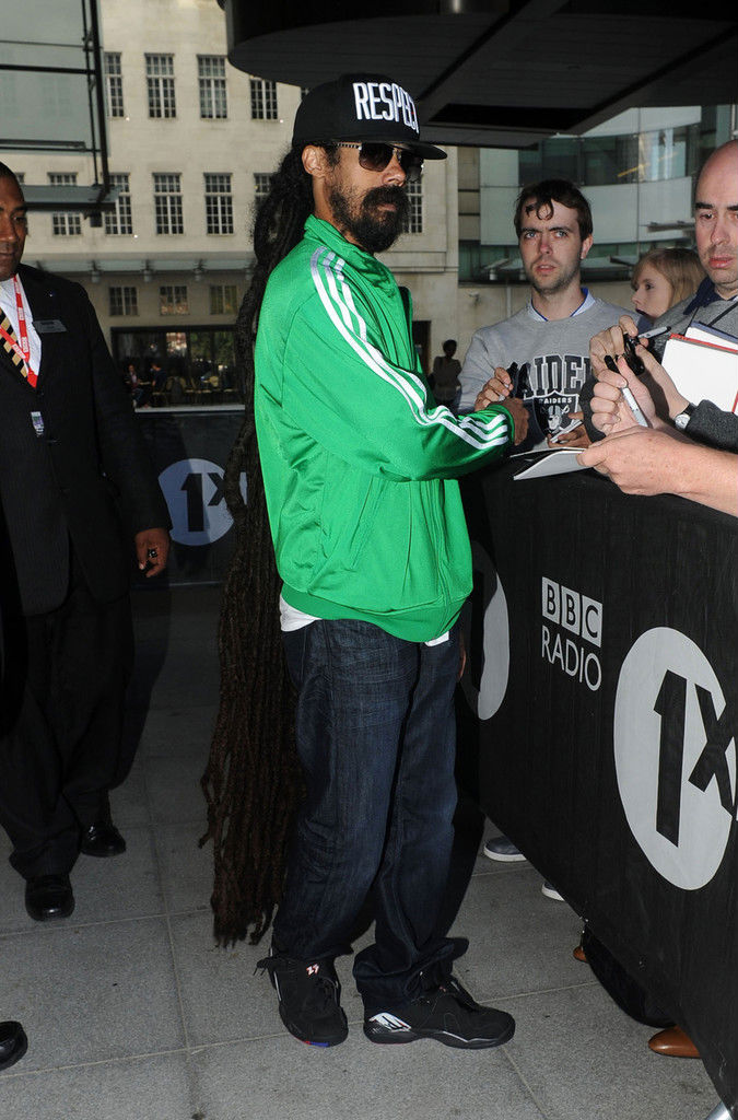 Celebrity Kicks Sightings  Damian Marley Rockin The Air Jordan 8 ... 36e14816fc