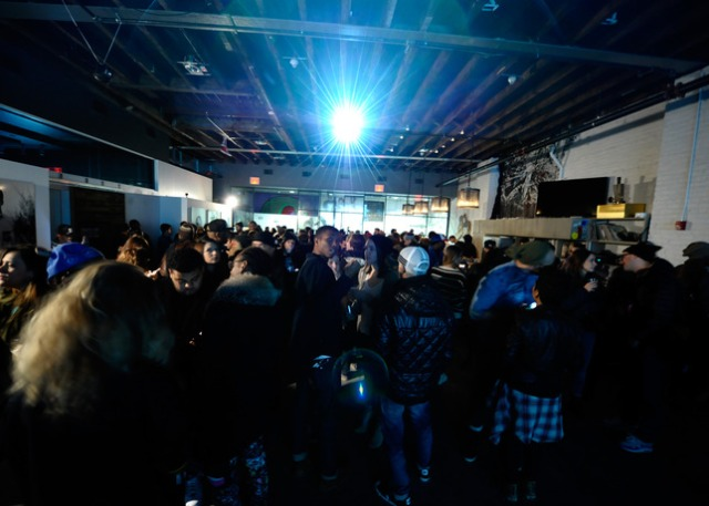 Converse_CONS_Holiday_2013_Sneaker_Collection_Launch_Crowd_25165