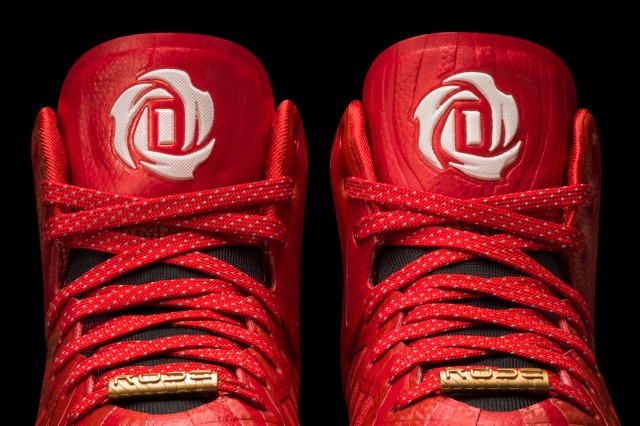 D Rose 4.5 Light Scarlet-Black-White Detail 3 (G66977)