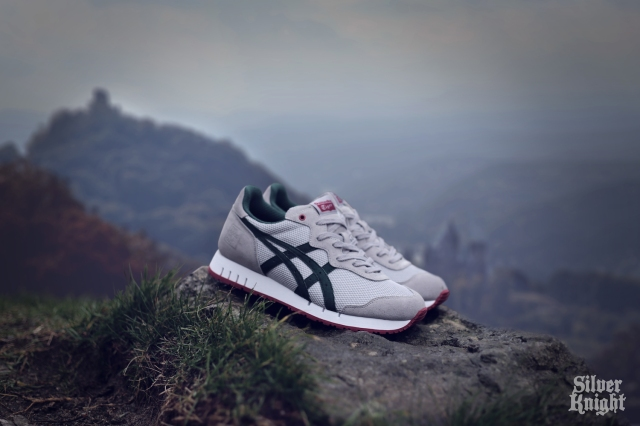 tgwo_onitsuka_tiger_silver_knight_off_feet_04