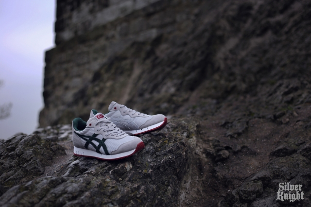 tgwo_onitsuka_tiger_silver_knight_off_feet_07