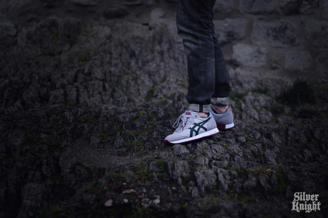 tgwo_onitsuka_tiger_silver_knight_on_feet_02