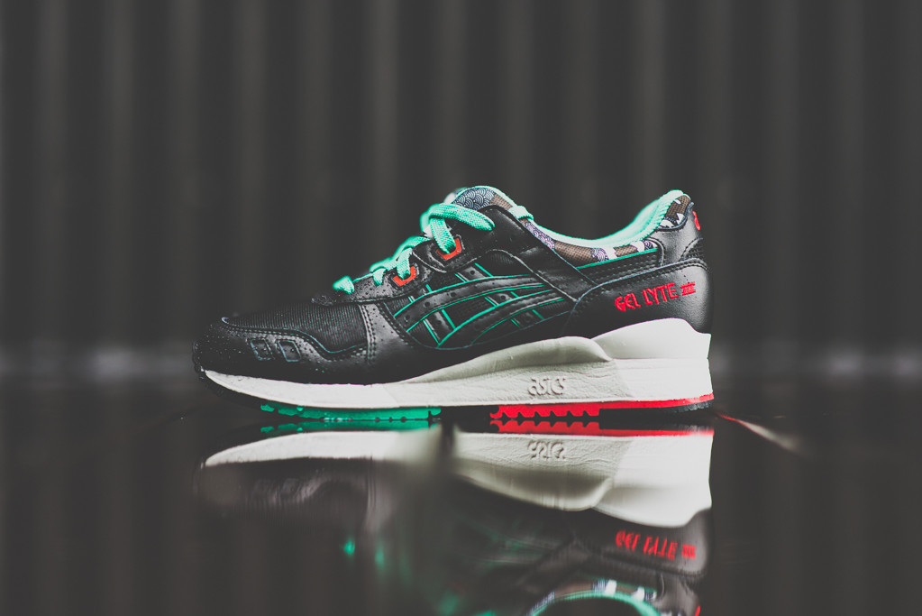 9313d64e0125 Asics Gel Lyte III Black   Green   Red