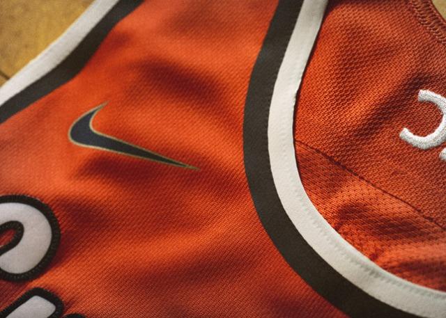 Nike_2014_NCAA_Bball_Kits_CUSEorng_DET_2_V_27469