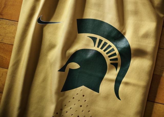 Nike_2014_NCAA_Bball_Kits_MICHgold_DET_2_27110