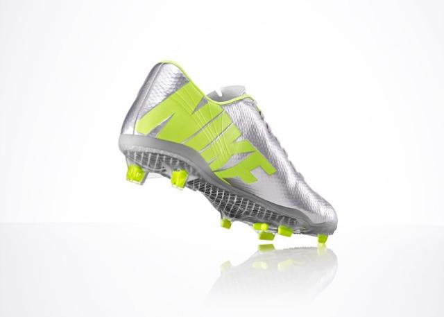 Nike_2M_MercVarporIX_HEL_BTY_27427