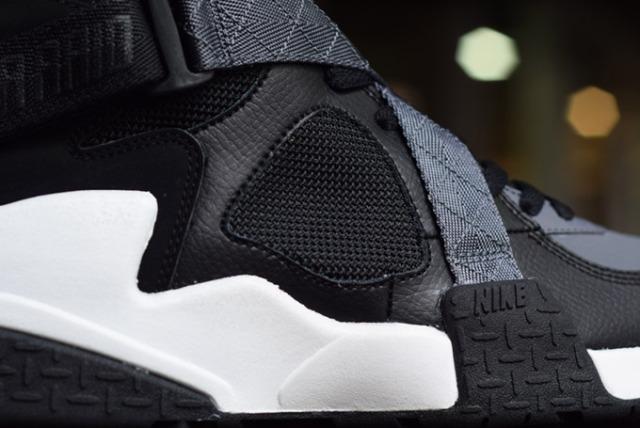 4-Nike-AirRaid