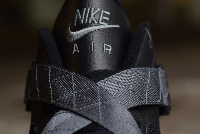 7-Nike-AirRaid