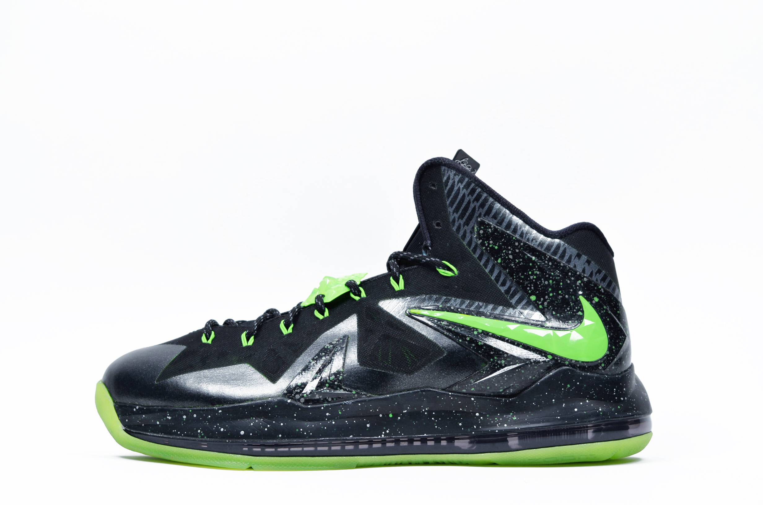 "new styles fa39e 0f03a Nike LeBron 10 Elite ""Oregon Ducks"" by  DMC Kicks   Kicks Addict l ..."