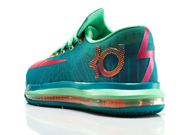 KDVI_Elite_Unleashed_300_3qtr_back_low_0225_FB_28258