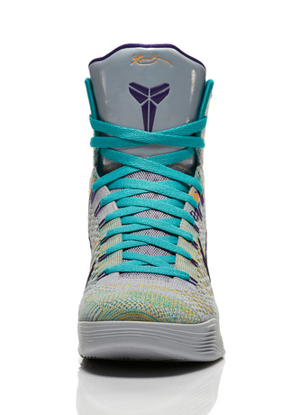 Kobe_9_Unleashed_005_front_0065_FB_28257