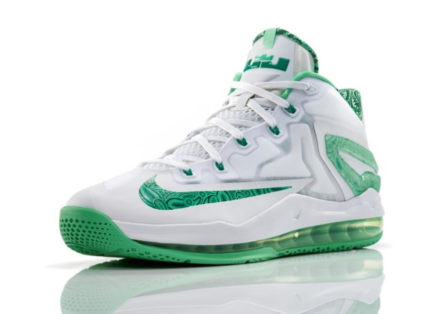 Lebron_11_Low_Easter_100_3qtr_0266_FB_28293