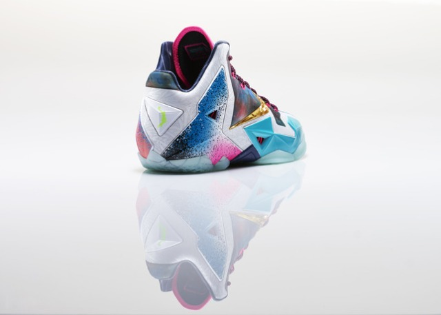 Lebron_XI_What_The_Right_3qtr_back_28527